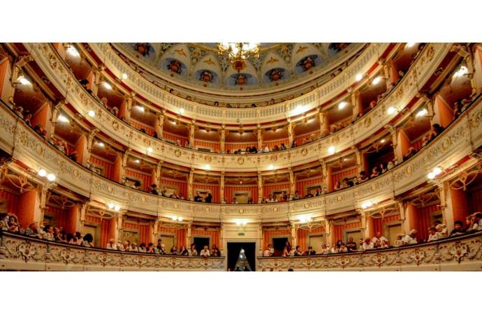Il grande teatro di Eduardo de Filippo a Cagli per aprire ...
